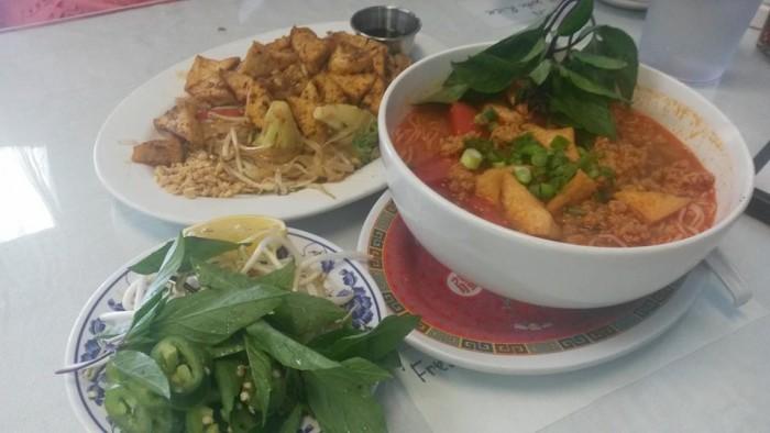 Vietnam Kitchen food.