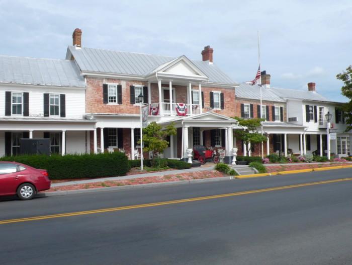 8. The Wayside Inn, Middletown