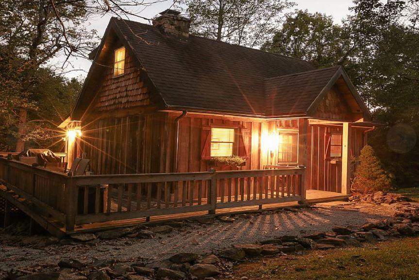 12 unforgettable kentucky cabins for a weekend getaway for Lake cabins for rent in massachusetts