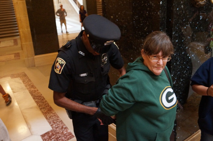 4.  When Aunt Betty Jo got arrested, everyone knew within 5 minutes.  Maybe it was for being a Greenbay fan...just kidding! Go Colts!