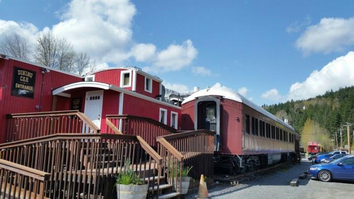 10. Mt. Rainier Railroad Dining, Elbe