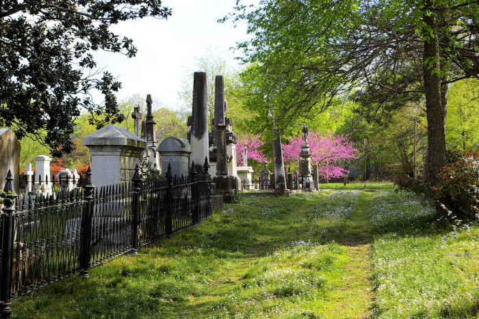 4. Arkansas: Mount Holly Cemetery, Little Rock