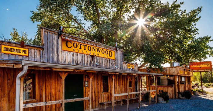 2. Cottonwood Steakhouse
