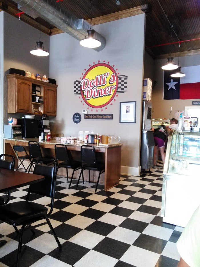 8. Dolli's Diner (Nacogdoches)