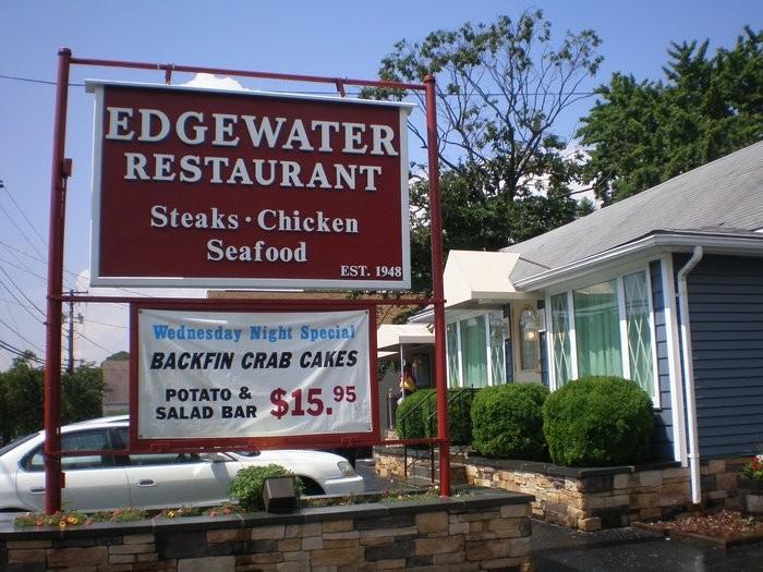 10) Edgewater Restaurant, Edgewater