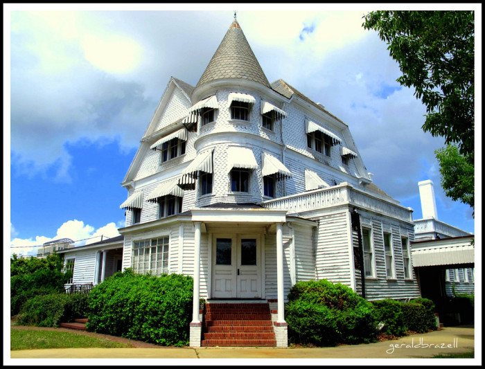 15. This former funeral home in Columbia, SC would have fit right into some fairy tales.