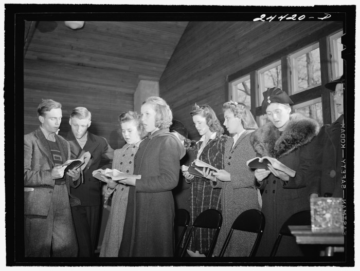 5. Here's a Sunday School class in Dailey in 1941 singing hymns.