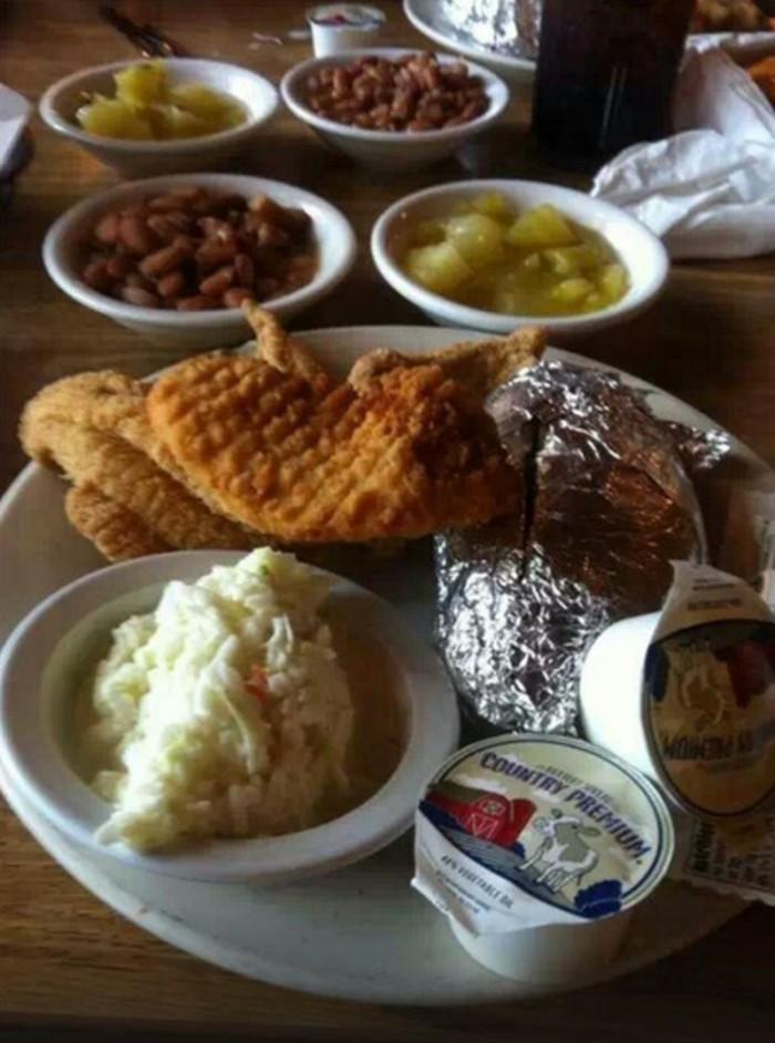 15 restaurants that serve the best catfish in arkansas for Flying fish little rock menu