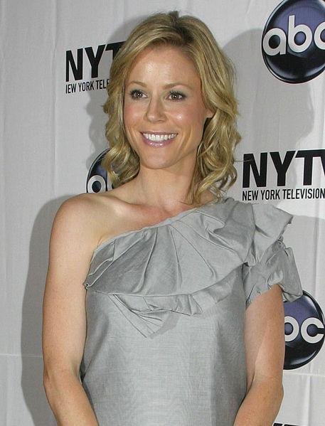8) Julie Bowen
