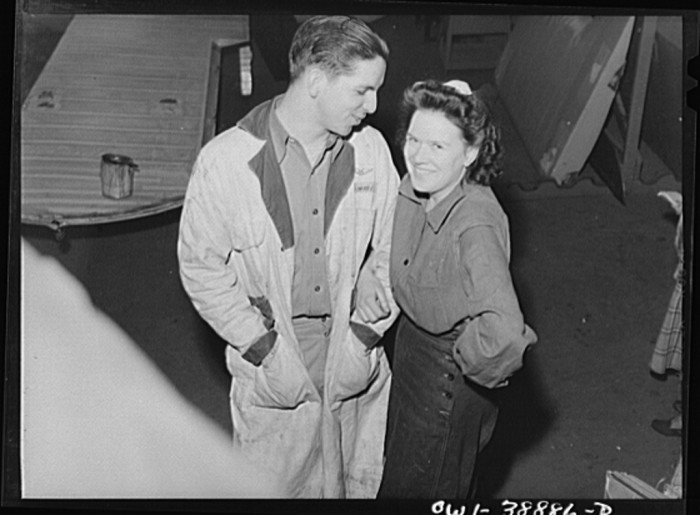 16. These two people are in Charleston in 1941.