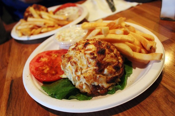 Annapolis Restaurants Crab Cakes