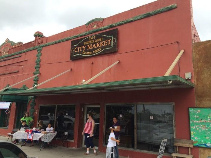 6. Luling City Market (Luling)
