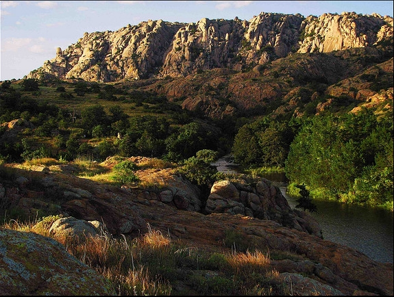9. In the early 1900s, three outlaws made off with $40,000 in gold coins during a Wichita bank robbery and headed off for the Wichita Mountains.