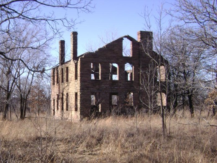 11 Ruins In Oklahoma That Will Remind You Of The Past