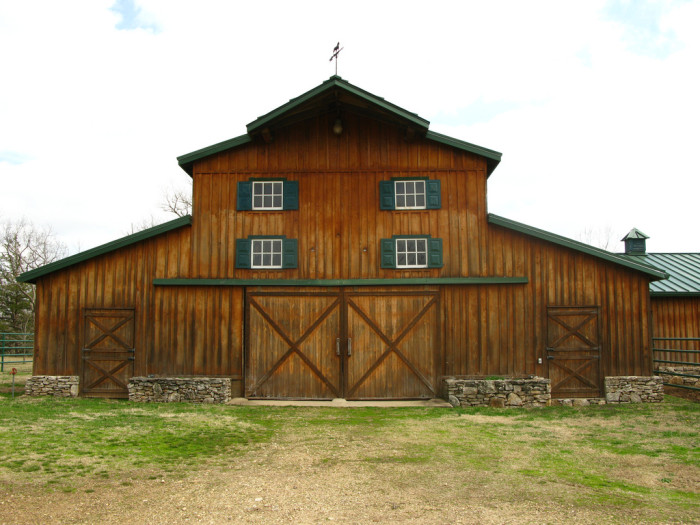 2. You'll find the most beautiful barns in Oklahoma's countryside.