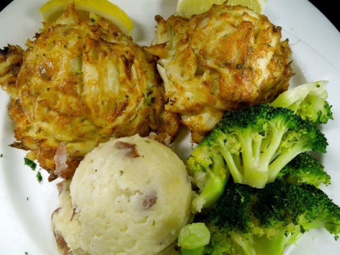 Best Maryland Crab Cakes Delivered