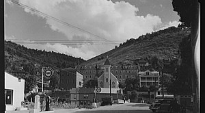 Most People Have Never Seen These 19 Photos Taken During WWII In West Virginia