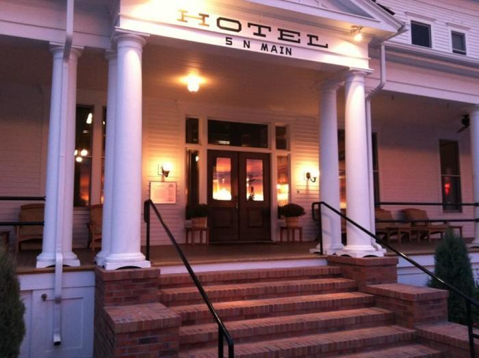 3. Sacajawea Hotel, Three Forks