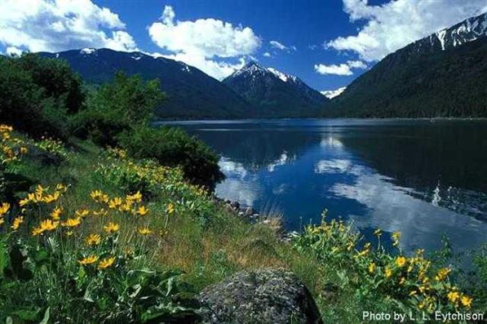 10. Rent a cabin on Wallowa Lake.