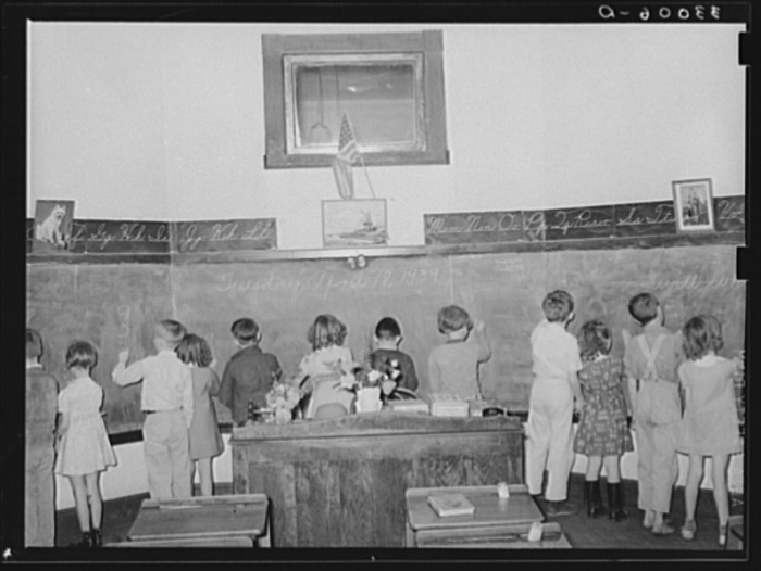 This was a third grade arithmetic class in San Augustine in 1939.