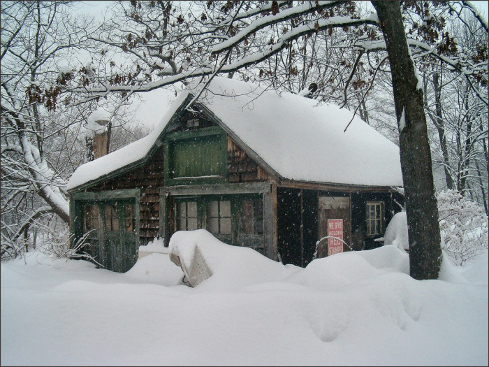 8. Even tiny shacks become stunning in the winter.