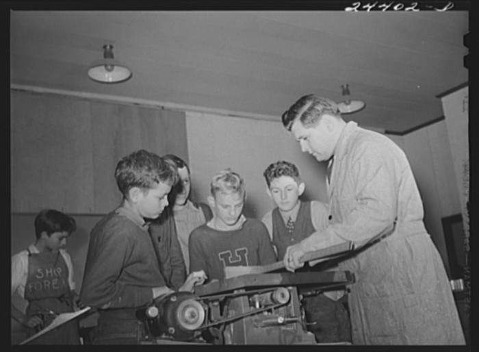 12. This is a shop class in Dailey in December 1941.