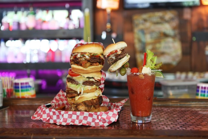 Washington: Sam's Burger Challenge, Sam's Tavern (Seattle)