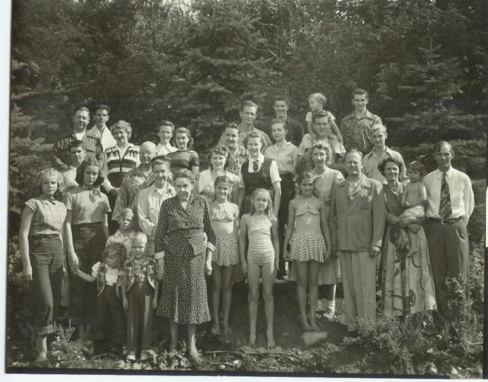 6. Family Reunion, 1950