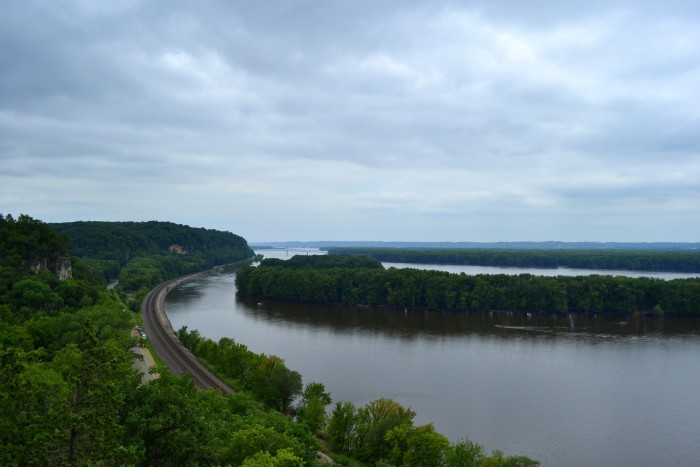 2. The park is located near the confluence of the Mississippi and Apple Rivers.