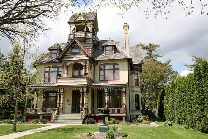 9. A.H. Allyn Mansion