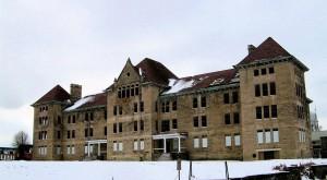 This Creepy Asylum In Illinois Is Still Standing… And Still Disturbing