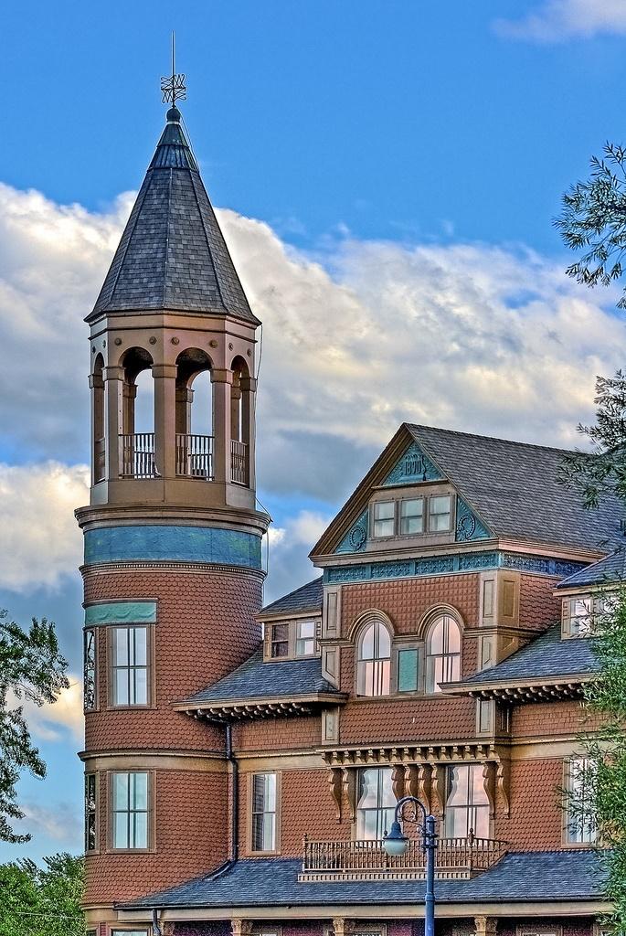 2. Fairlawn Mansion