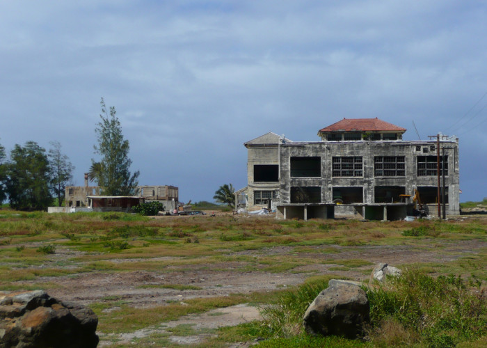 1) This abandoned building that sits on Makai Ranch was part of the Marconi Wireless Station in World War I, used for communication with other Hawaiian Islands and the Americas. In World War II, the site was repurposed as an air base, and the site is now abandoned.