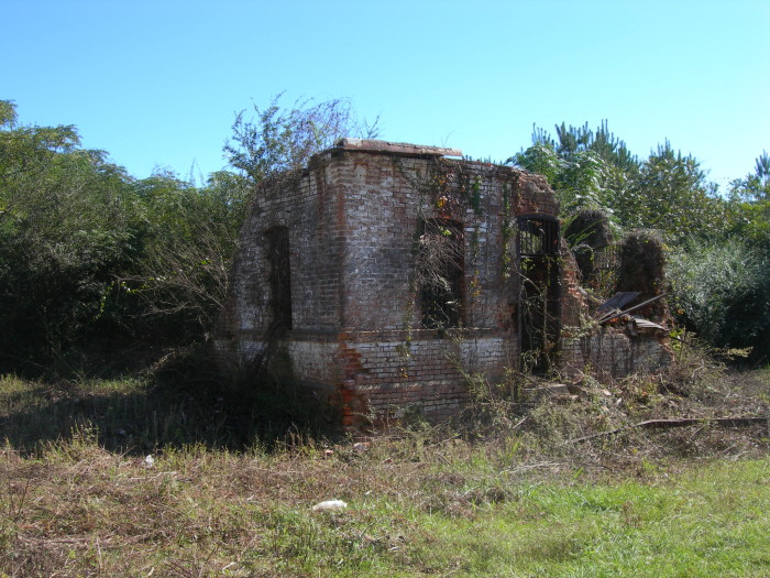 7. The Jasper County Jail was built sometime between 1895 and 1900. As of today, these ruins are all that remain of the former 2-room jailhouse.