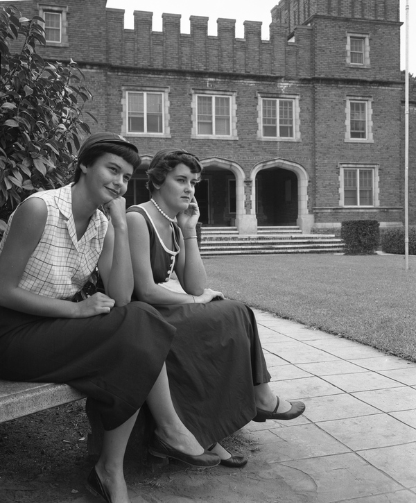 16. Unidentified freshmen in front of William James Bryan Hall in Tallahassee, 1953