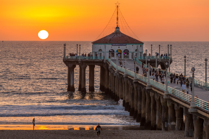 10.  The warm glow of Manhattan Beach Pier as the sun dips into the ocean. Simply lovely.