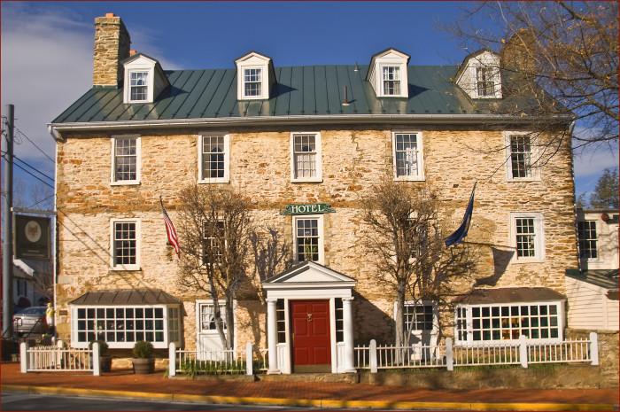 7. Red Fox Inn and Tavern