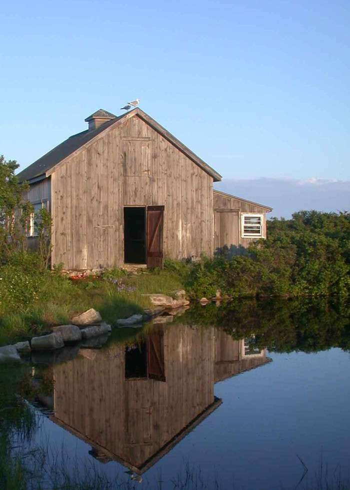4. This barn has a view many houses would be jealous of!