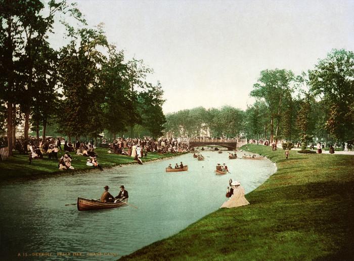1200px-Grand_Canal,_Belle_Isle,_Detroit,_Michigan,_1898-1905
