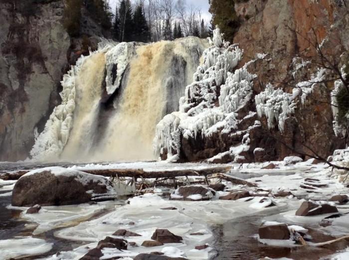 2. High Falls & Illgen Falls (Tettegouche State Park)