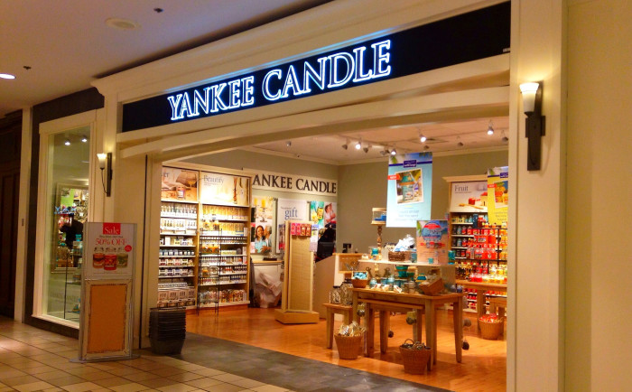 3.  A Yankee candle. Because who doesn't need the kitchen to smell like you're baking apple pies all year round?