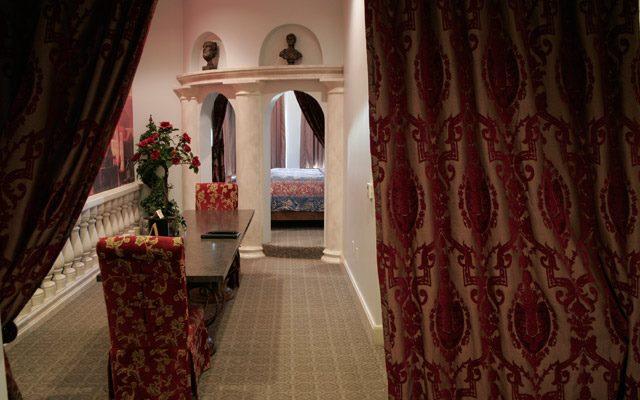 13.3. Chateau Avalon, KC