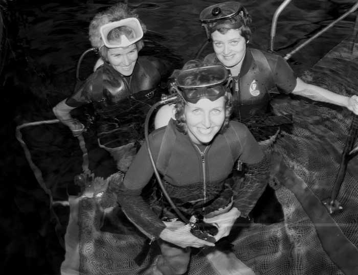 8. Women Scientists and Engineers Train in Simulated Weightless Environment, Huntsville, 1975