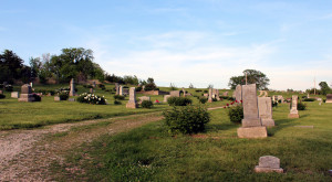 The Story Behind This Disturbing Kansas Cemetery Will Give You Goosebumps