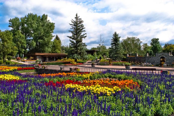 9 amazing man made wonders in north dakota for International peace gardens north dakota