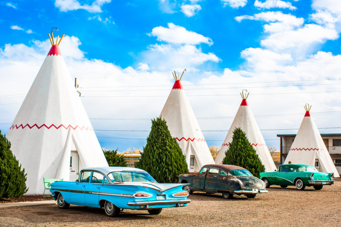 13. This motel is located along Route 66 in Holbrook.