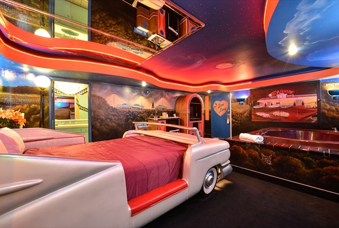 Romantic Themed Hotel Rooms California