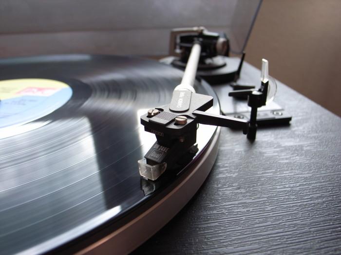 21. Vinyl...
