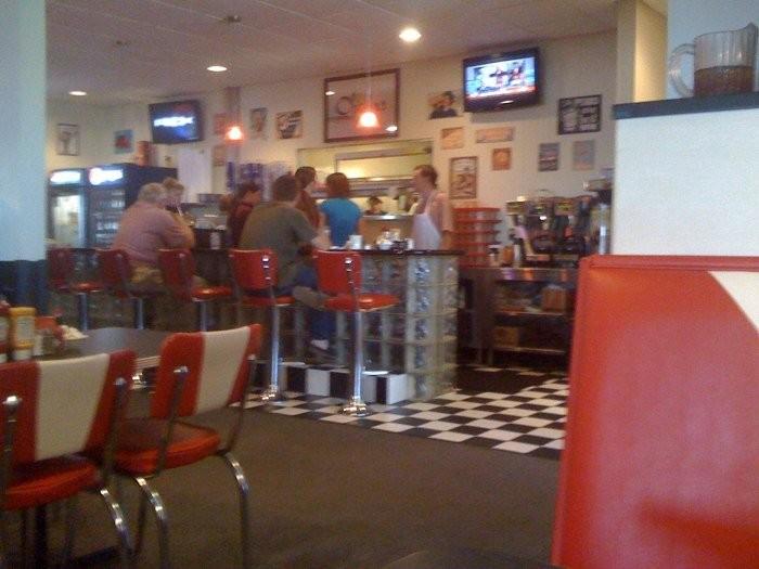 18.2. Oscar's Classic Diner, Jefferson City