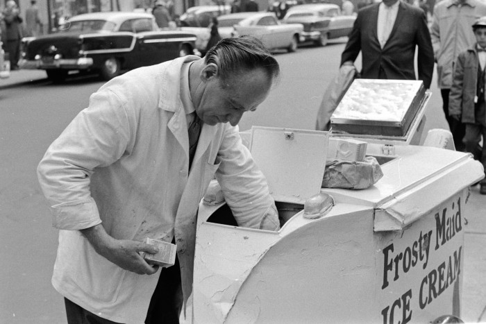 15. Times have most certainly changed! How nostalgic is it to see this 1960s ice cream vendor!